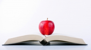 1582808-apple-on-a-book